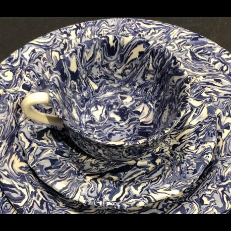 Tasse ronde et sous-tasse dentelée terre mêlée collection Bleu forme disque et dentelé