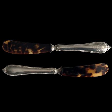 Couteau à caviar manche argent fourré haut écaille de tortue L 19 cm XXe