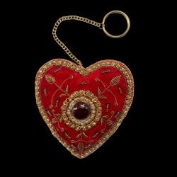 Coeur rouge brodé