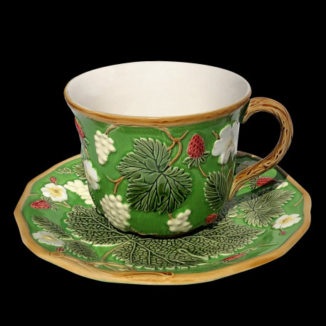 """Majolica green breakfast cup and saucer """"George Sand"""""""